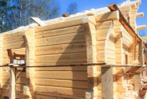 Особенности строительства домов из лафета